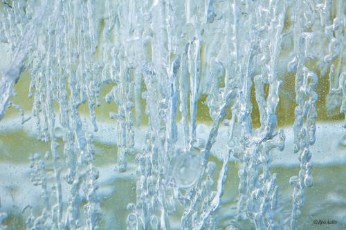 Keväistä jääkerrosta