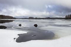 Rauhajärvi kevään tullessa