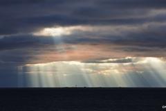 Valonsäteitä merellä